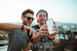We Are Social und OtterBox starten mit Influencern in den Sommer
