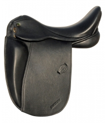 Schulterfreier kurzer Sattel für empfindliche Pferde