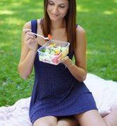 Salat to go, die leichte Snack Alternative für heiße Tage