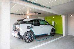Elektroauto bequem zuhause aufladen