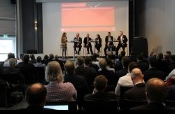 MES in Industrie 4.0 Podiumsdiskussion HANNOVER MESSE 18
