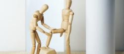 Bei Gelenkschmerzen hilft Krankengymnast aus Balingen
