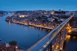 Törtchen, Tanz und Douro-Tal – Jahreswechsel in Porto feiern