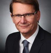 Hellmann Worldwide Logistics stellt den CFO-Bereich neu auf: Dr. Alexander Blum übergibt an Dr. Michael Noth