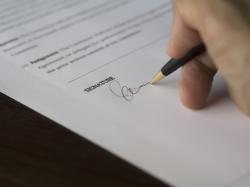 Verträge vom Anwalt prüfen lassen