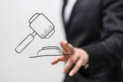 Verdachtskündigung: Zur Anhörung nur mit Rechtsanwalt!