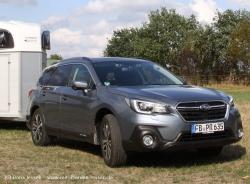 Mit-Pferden-reisen testet Pferdeanhänger-Zugfahrzeugtest Subaru Outback