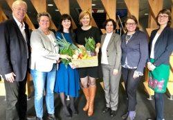 """5 am Tag e. V. und AgrarMarkt Austria starten """"Snack 5""""-Kampagne  Neuer Schwung für die Verbreitung der 5 am Tag-Botschaft"""