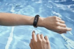ACME ACT304: Wasserfester Activity Tracker mit vielen Features