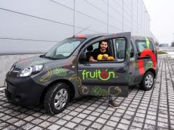 Obst ins Büro: fruiton GmbH liefert mit dem E-Mobil