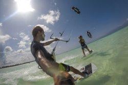 Kitesurfen lernen: Die wichtigsten Tipps und Reiseziele für Anfänger