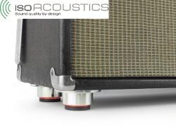 IsoAcoustics Stage 1: Entkoppler für Gitarren- und Bass-Amps sorgen für gleichbleibend guten Sound auf der Bühne und im Studio
