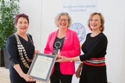 Claudia Kessler erhält Soroptimist Deutschland Preis 2019