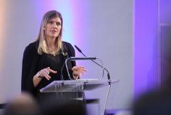 Beatrice Fihn: Leidenschaftliches Plädoyer gegen in Vergessenheit geratene Nuklearwaffen
