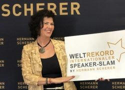 "Edith Steller erhält den ""Excellence-Speaker"" Award"