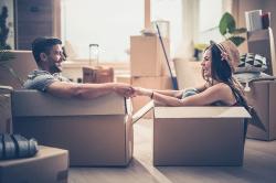 Warum Sie als Paar gegenüber Singles Geld sparen
