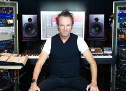 PSI Audio A21-M und A225-M im Studio von Produzent, Komponist und Keyboarder CJ Vanston