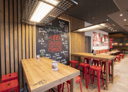 Chicken Ahoi! – neues KFC Restaurant in Hamburg Altona