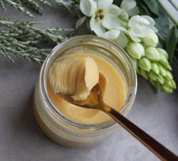 Einfach selbstgemacht: Vegane Butter mit Kurkuma Pulver