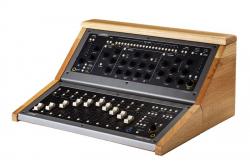 Zaor präsentiert edles Holzcase für Softube Console 1: Vintage-Charme mit moderner Ergonomie