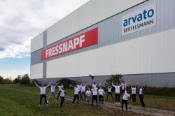 Arvato Supply Chain Solutions und Fressnapf-Gruppe bauen Zusammenarbeit in Heideloh aus