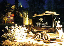 Weihnachtszauber im Feengrottenpark