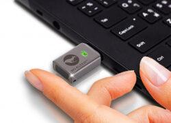 HomeOffice, weltweit einzigartig: hardwareverschlüsselter, managebarer Fingerabruck USB-Stick