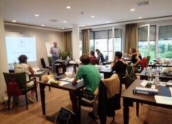 Seniorenassistenten-Ausbildung bei der Help Akademie München