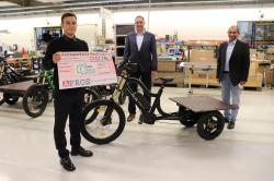 APROS spendet 2.250 Euro für XCYC Inklusionsprojekt- Fahrrad Innovationen und E-Mobilitaet