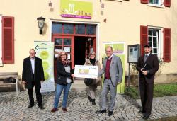5.500 Euro Spende fuer gemeinnuetzige Arbeit des S-Haus Reutlingen