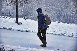 Senioren im Winter – sturzfrei unterwegs trotz Schnee & Eis