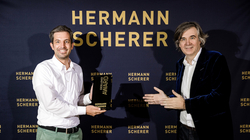 Weltrekord: Top-Experte Technologiestrategie am Mikro
